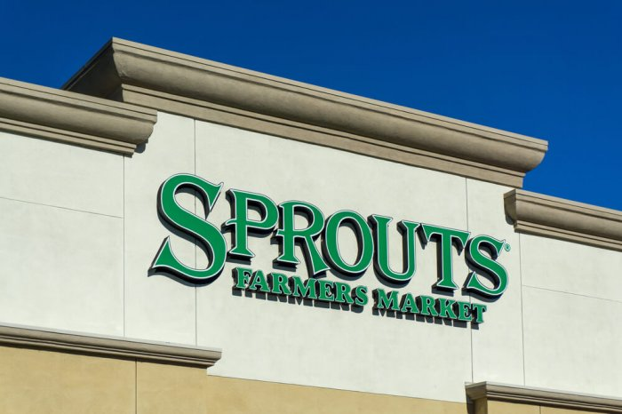 Exterior of a Sprouts grocery store