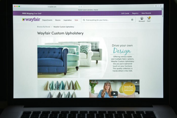 Wayfair website is shown on a computer screen.