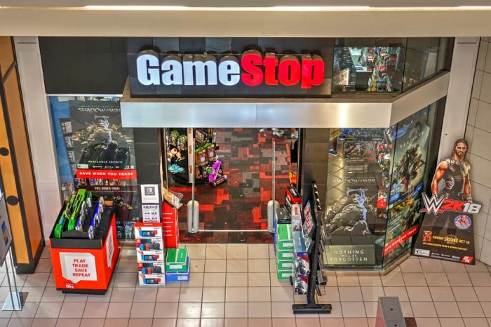 GameStop storefront inside a shopping mall
