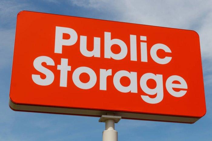 Public Storage sign