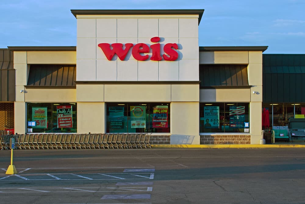 Exterior of a Weis Markets store