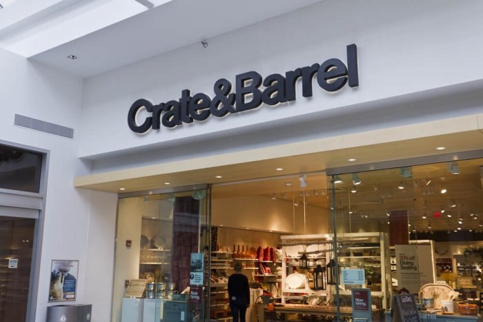 Crate and Barrel storefront